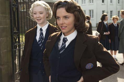 tom hughes guardian ophelia lovibond joins cast of guardians of the galaxy