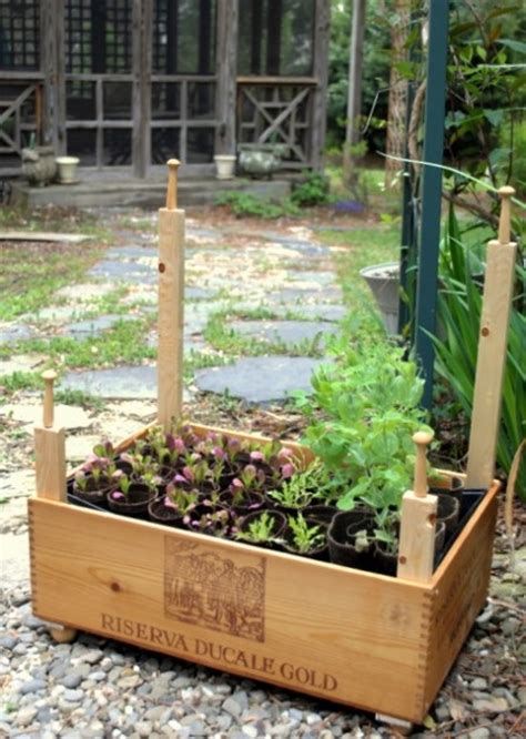 Wine Crate Planter by 37 Best Images About Wine Crate Garden Ideas On