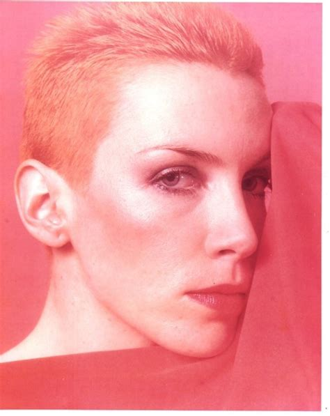 pixie and short crops 1980s 1990s hair styles 17 best images about annie lennox on pinterest musicians