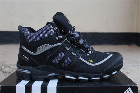 Sepatu 898 Ori Bro sepatu adidas tex original