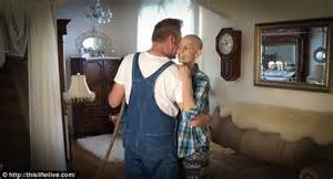 my husband is bad in bed terminally ill joey feek shares photo of herself and