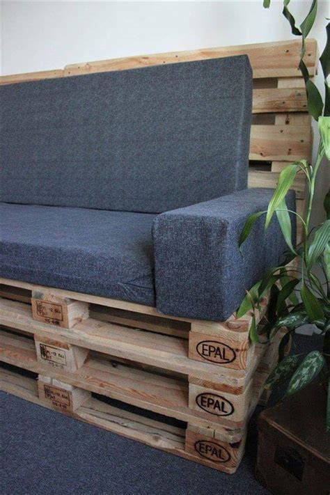 how to make a pallet couch diy upholstered pallet settee pallet sofa
