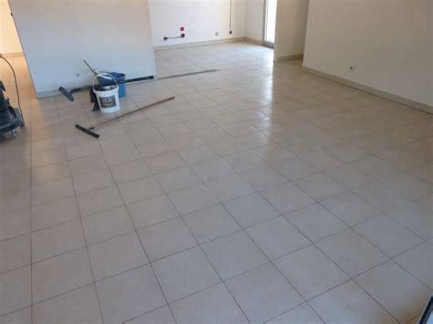 peinture carrelage sol effet beton cire 3585 b 233 ton cir 233 sol sur carrelage b 233 ton cir 233