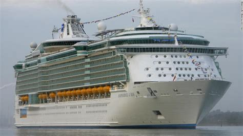 royal caribbean passenger recounts terrifying 12 hours on hundreds come down with stomach illness during royal