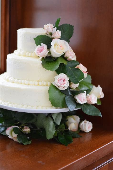 Wedding Cake Bc by How To Bake And Decorate A 3 Tier Wedding Cake