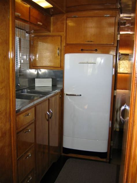Vintage Travel Trailer Interior Pictures by Pin By Suzanne Mozal On Vintage Trailer Interiors