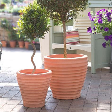 buy stylish outdoor large plastic patio planters