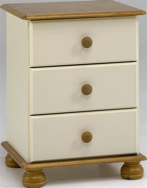 steens richmond pine 3 drawer bedside table cabinet