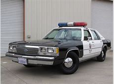 1980 Ford Crown Victoria - Information and photos - MOMENTcar Morris 4x4 Jeep Information