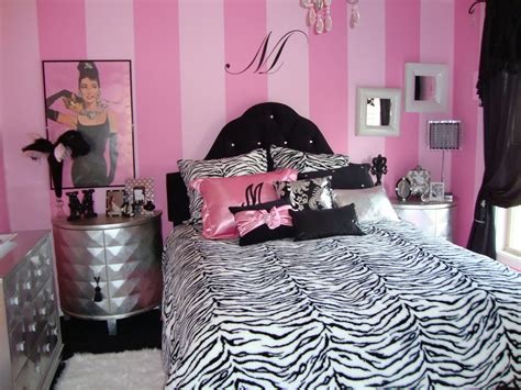 Pink And Black Rooms by Bedroom Design Dazzle