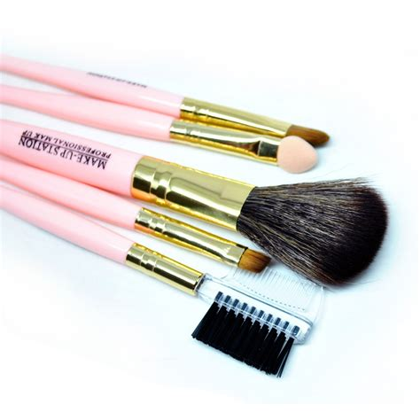 Brush Set Kuas Set by Cosmetic Make Up Brush 5 Set Kuas Make Up Pink