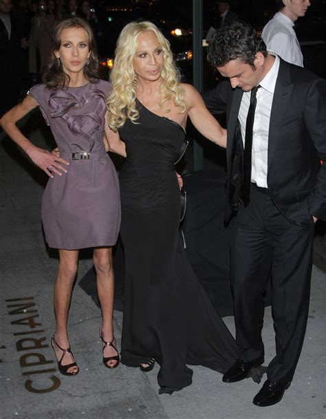 Donatella Versace On Jimmy Kimmel by Don T Step On The Dress Wardrobe Malfunctions When