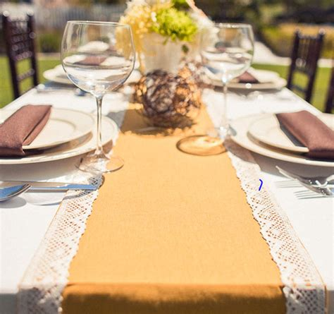 Table Runner Wedding – 26 Ridiculously Pretty & Seriously Creative Wedding Table