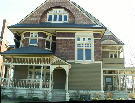 should i paint my house before selling exterior house painting before selling your house