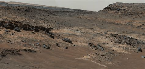 Mars Landscape Pictures Nasa Stunning Images Of Mars Reveal Vistas That Are Eerily