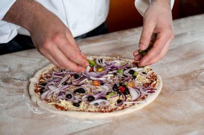 cerco lavoro in svizzera come cameriere offerte lavoro pizzaiolo estero oggi infissi bagno
