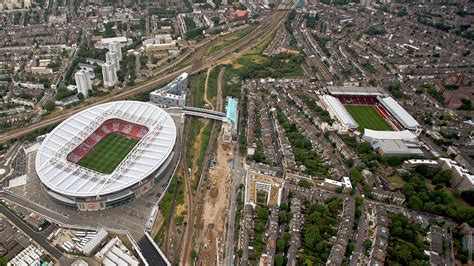 arsenal emirates stadium club moves to emirates stadium history news arsenal com