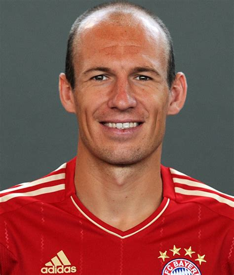 arjen robben 2018 haircut beard eyes weight
