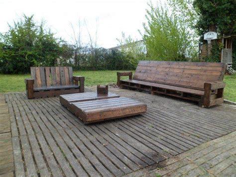 meuble de jardin bois salon de jardin en palette de bois bricobistro