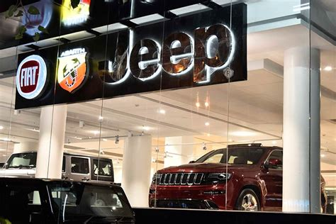 Jeep India Dealership Fiat Opens New Destination Stores In Mumbai New Delhi And