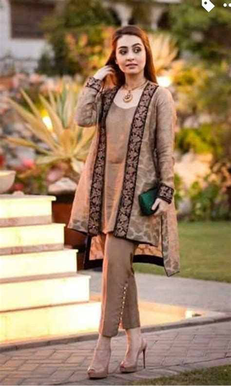 casual hairstyles in pakistan 1000 ideas about pakistani gowns on pinterest pakistani