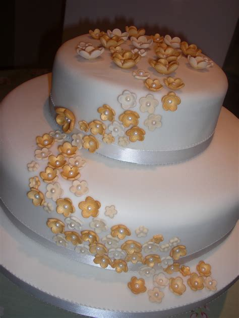 Golden Wedding Cakes by Golden Wedding Anniversary Cakes A Sweet On The Side