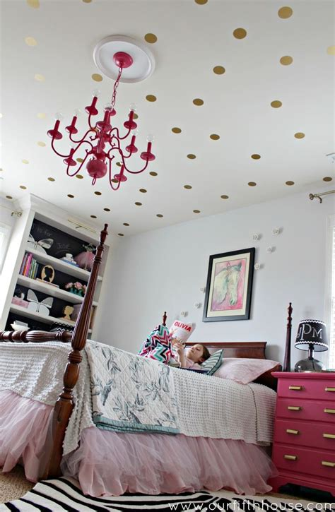 d patches on walls in bedroom 8 fun and easy ways to use polka dot wall decals