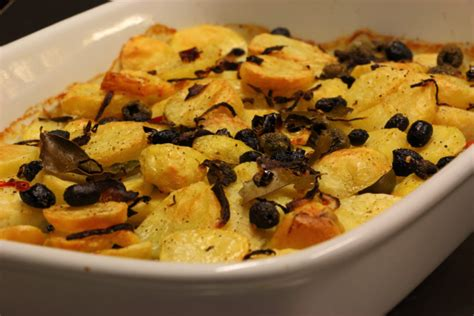 ricetta baccal 224 al forno con patate e olive tagliapietra