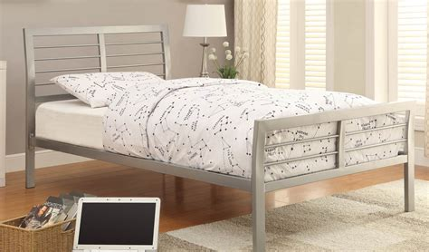 adeline silver upholstered platform bedroom set cm7282q silver queen bed bedding silver wood queen size bed size