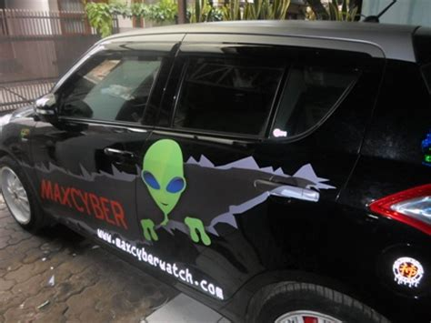 Sticker Reflective Reflektif Ban Mobil Motor Sepeda S Diskon solusi melepas stiker dari bodi mobil dealer suzuki bandung