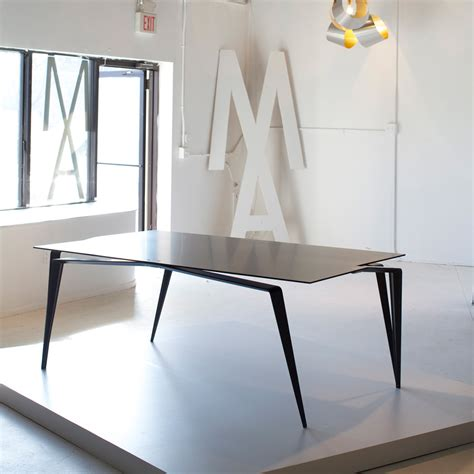 minimal table design panther table leibal