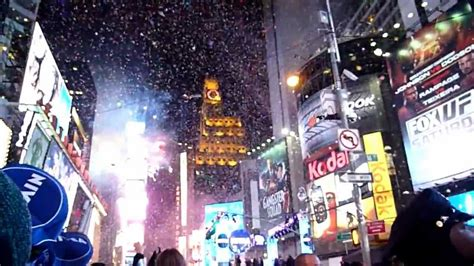 juniper and york travel countdown new york december 31 2012 times square new year s eve