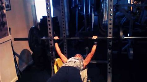 bodyweight bench press bench press 135lbs 106lb bodyweight youtube