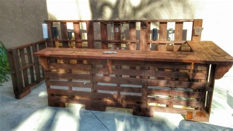 Handmade Bars - 22 genius handmade pallet furniture designs that you can