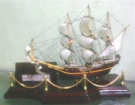 Souvenir Pulpen Kapal dinomarket pasardino souvenir tempat pulpen unik