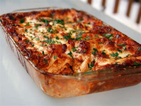 Toner Lasona sunday dinner no holds barred lasagna bolognese recipe serious eats