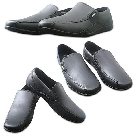 Sepatu Vs 372 Sepatu Pantofel Formal Dan Kasual sepatu karet pantofel anti hujan ab 353 elevenia