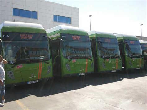 imágenes autobuses urbanos scania entrega 5 autobuses de gnc a grupo ruiz