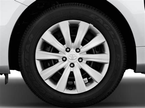 2013 Toyota Corolla Tire Size Image 2013 Toyota Corolla 4 Door Sedan Auto Le Natl