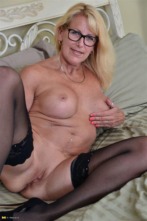 Showing porn Images For canadian milf Bianca porn