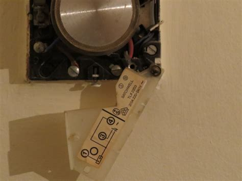 replace room thermostat replacement room thermostat for satchwell tlx 2203 diynot forums