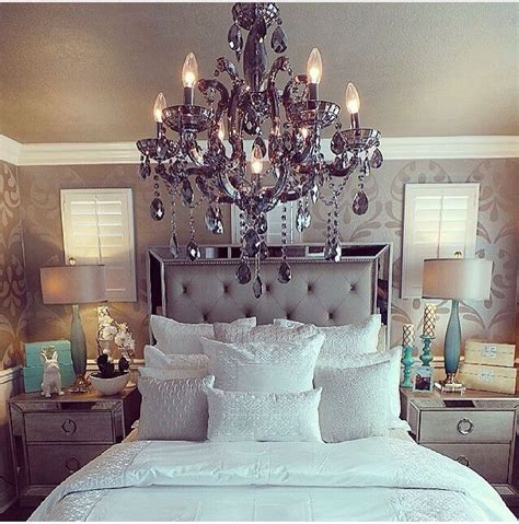 6 Mirrored And Upholstered Tufted King Size Bedroom Set Silver by 6 Mirrored And Upholstered Tufted King Size