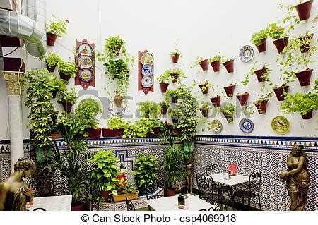 Pictures of patio restaurant (courtyard), Cordoba