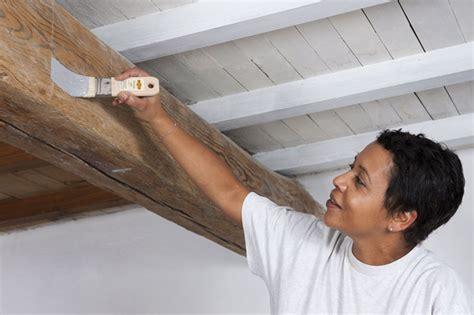 Repeindre Plafond by Repeindre Un Plafond Avec Poutres En Bois Apparentes