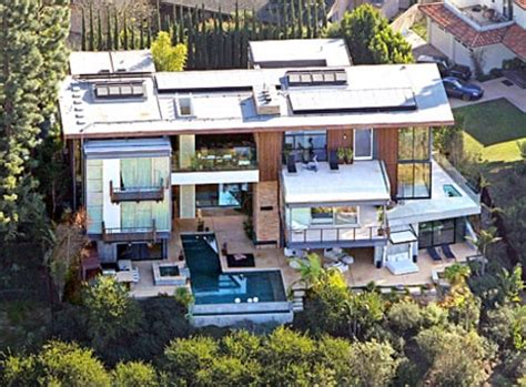 ashton kutcher and mila kunis house ashton kutcher mila kunis purchase new 10 million dollar