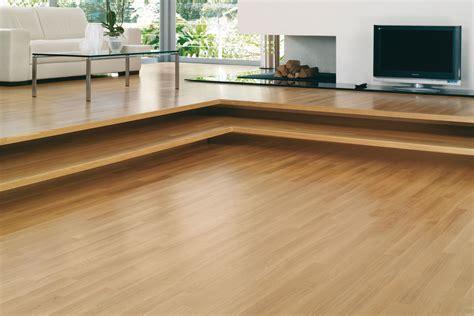 piastrelle sembrano parquet pavimenti in legno come pulirli ecologicamente impronta