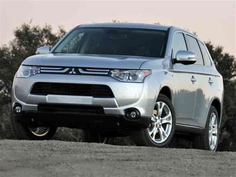mitsubishi crossover 2014 2014 mitsubishi outlander crossover suv road test and