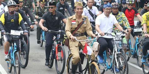 cerita jokowi pakai sepeda onthel  rem  bandung