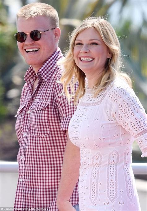 Ill What Shes Kirsten Dunst And Uberlube by Kirsten Dunst Jets With Plemons