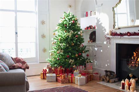 make a christmas tree last longer a new england trick